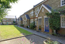 2 bed Terraced house to rent in Meredith Mews...