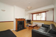 2 bed Maisonette to rent in Ebsworth Street, London...