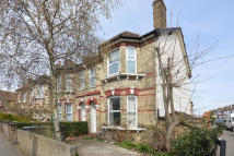 Flat to rent in Beechfield Road, London...