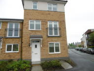 4 bed home to rent in Taywood Road, Northolt