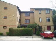 Flat to rent in Dehavilland Close...