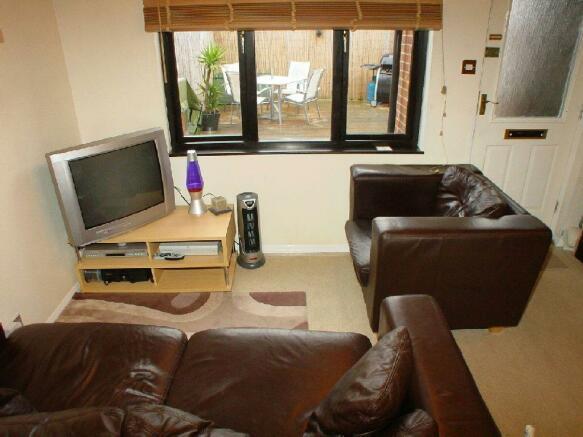 2nd Photo of Lounge
