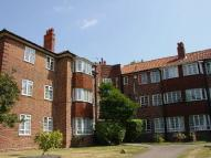 Flat to rent in Croydon Road, Wallington