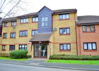 Flat in Waterside Close, Barking