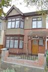3 bedroom Terraced house for sale in Lyndhurst Gardens...