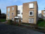 Apartment to rent in Wallington, Surrey