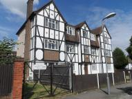 Apartment to rent in Plough Lane, Wallington