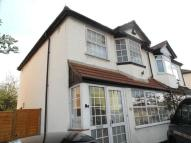 3 bed semi detached house to rent in Sutton, Surrey