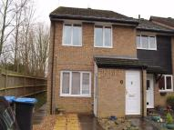 Maisonette to rent in Ramblers Way, Panshanger...