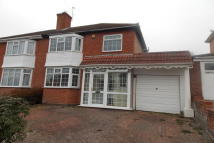 3 bed semi detached property in Sennellys Park Road...