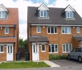 3 bedroom semi detached property in Kingfisher Drive...