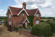 4 bedroom Detached house in Oak Lane, Allesley...