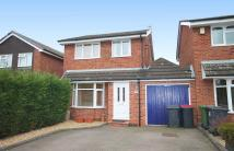 3 bedroom Link Detached House in Sycamore Road, Kingsbury...