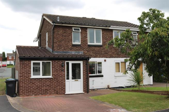 2 bedroom semi detached house for sale in dace dosthill tamworth b77