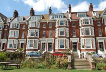 Flat for sale in Chatsworth Gardens...