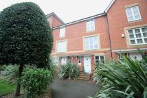 4 bedroom Town House to rent in Caroline Way, Eastbourne