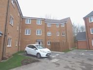 Flat to rent in Butterfield Gardens...