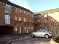 Apartment in 16 Hampton Court...