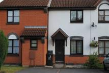2 bedroom house to rent in Weaver Close...