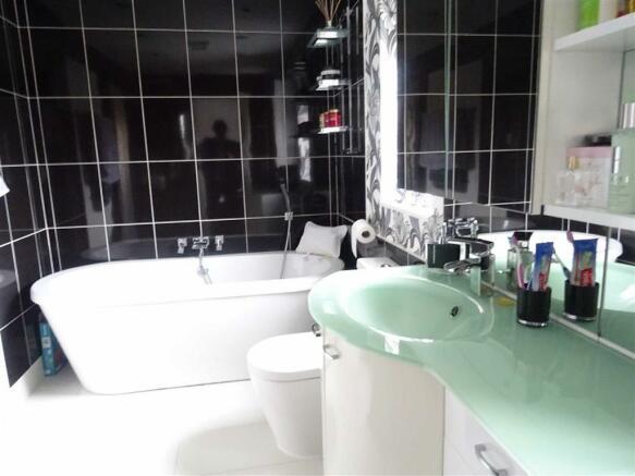 Modern bathroom (Jac