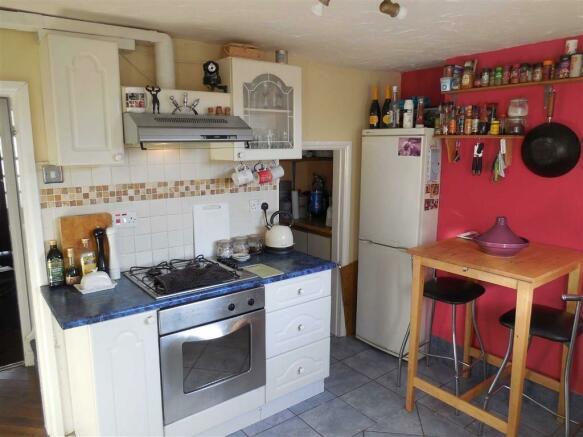 Modern kitchen/dinin