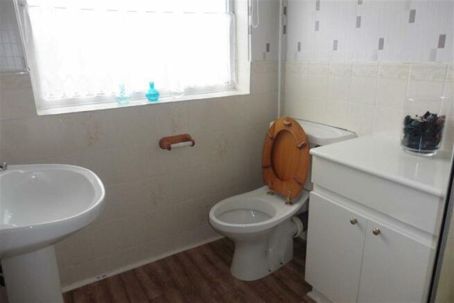 Modern shower room e
