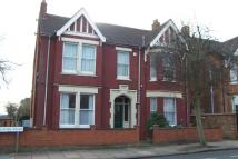 Studio flat in Oaklands Road, Bedford...