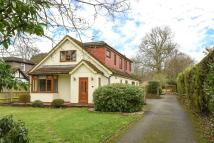 Detached house in Finchampstead Road...