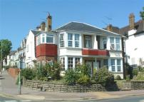 Apartment to rent in Estuary Views - Leigh on...