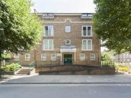 Flat to rent in Verwood Lodge, London E14