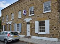 Pages Walk Terraced property to rent