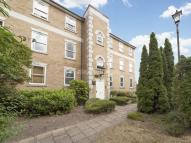 2 bed Flat in Nelson Court...
