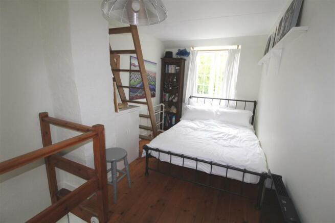 Annex bed.JPG