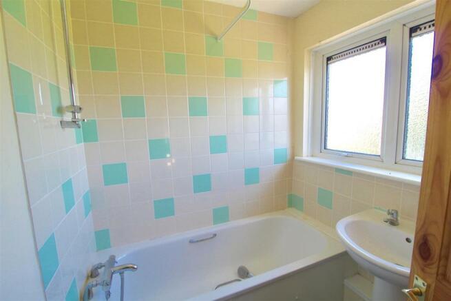 Bathroom#.JPG