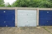 Garage in Violet Close...