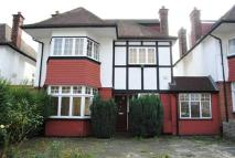 4 bedroom property to rent in Haslemere Avenue
