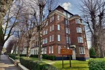 3 bedroom Flat for sale in West Heath Court