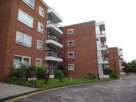 2 bed Ground Flat to rent in Greenacres, N3
