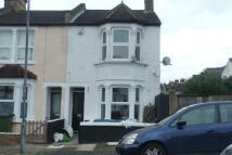 1 bedroom Ground Flat in Owenite Street...