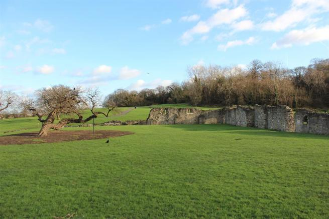 NEARBY LESNES ABBEY