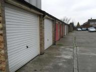 Garage in Becton Place to rent