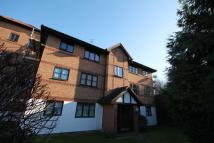 Apartment to rent in Frobisher Road, Erith
