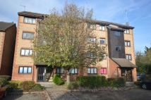 Flat to rent in Cricketers Close, Erith