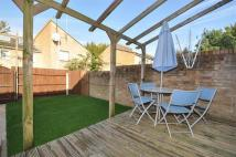 3 bed End of Terrace home to rent in Banky Fields Close...