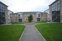 1 bedroom Apartment to rent in Queens Court...