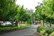 3 bedroom Flat in Nonington Court...