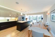 4 bed home in Camberwell Grove...