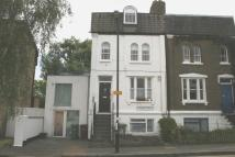 2 bedroom Flat to rent in Lyndhurst Grove...