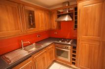 3 bedroom Flat to rent in Honor Heights...