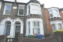 Flat to rent in Cheltenham Road, London...